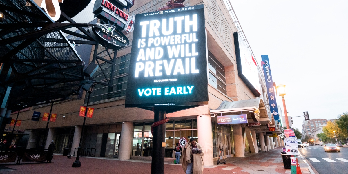Photos of the day: DC kicks off 'super' early voting - Roll Call